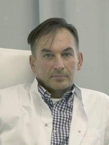 Dr n. med. Maciej Urban
