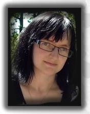 Dr Ewa Bujoczek