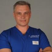 Dr n. med. Piotr Żbikowski