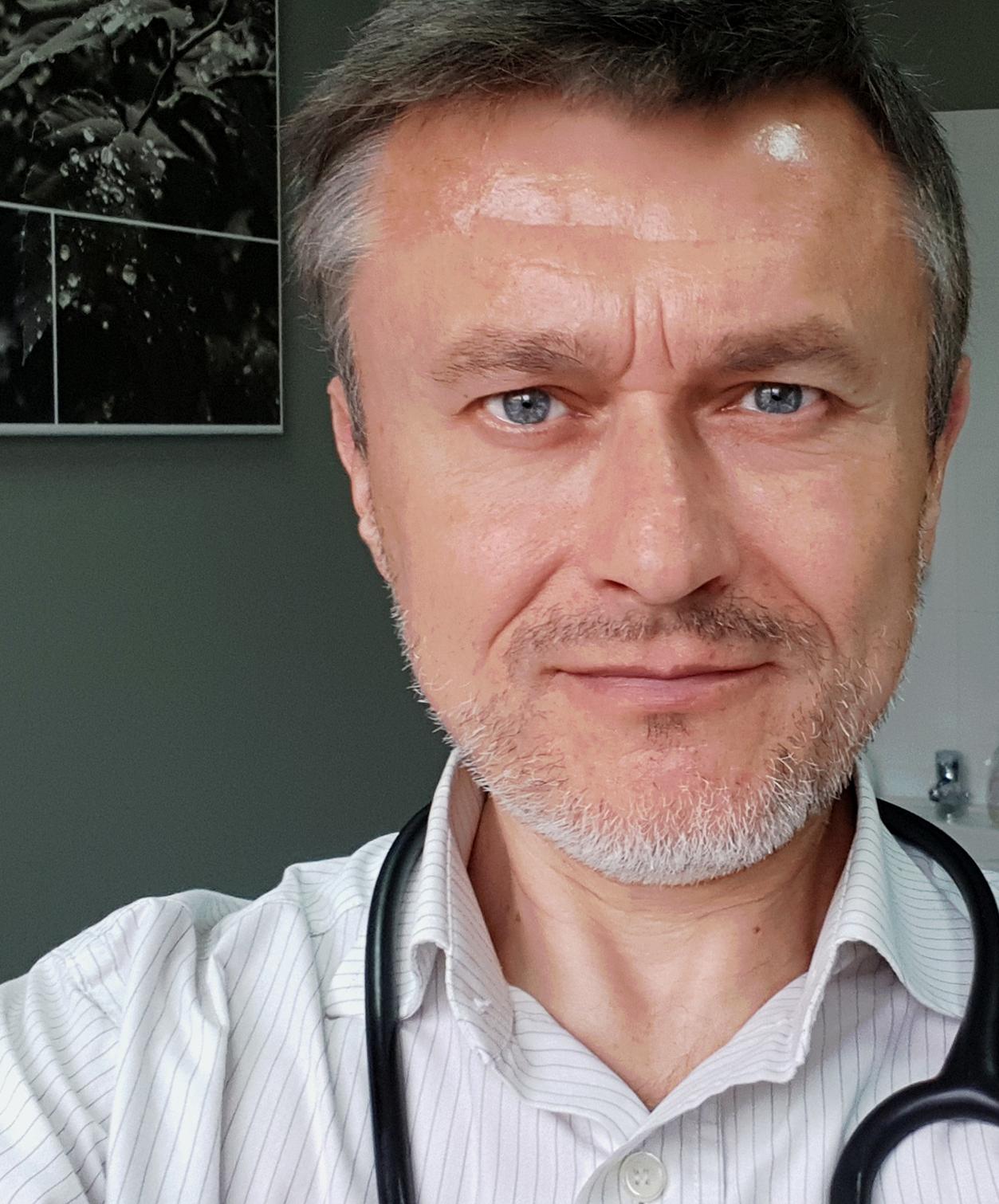 Lek. Łukasz Wroński